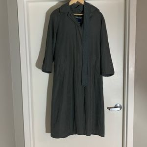 London Fog Trenchcoat with hood & belt Small